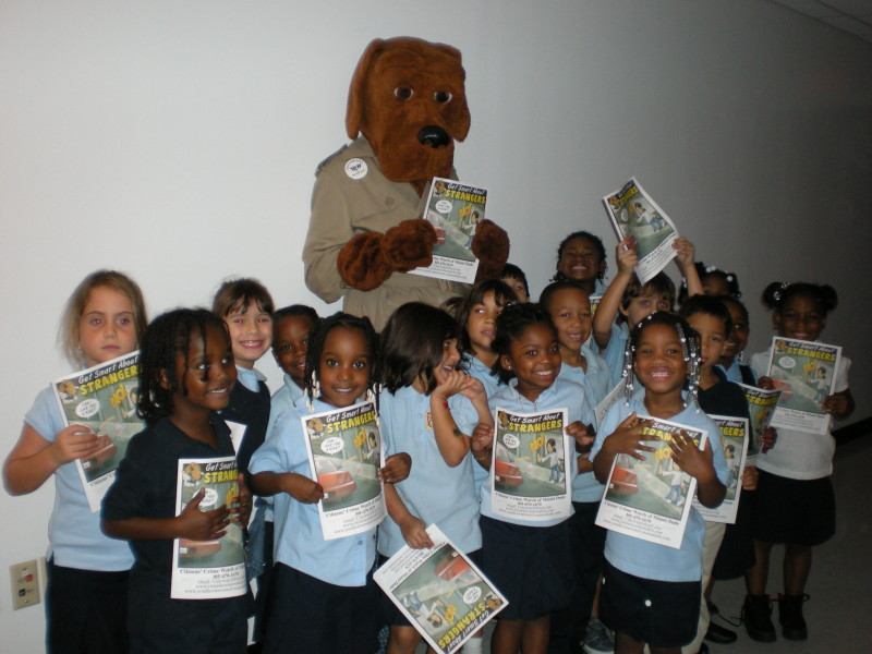 McGruff with the children of  MDCPS Primary Learning Center #2